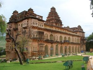 Chandragiri-Palaces-and-Fort